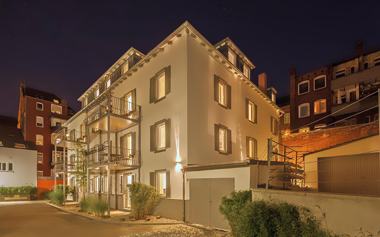 apartments_west_stuttgart_aussen_nacht_01